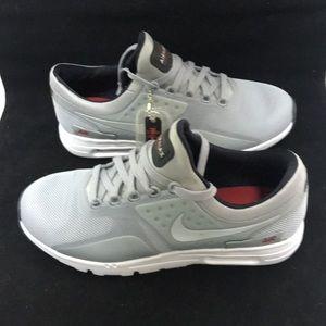 Nike Womens Air Max Zero silver Size 9